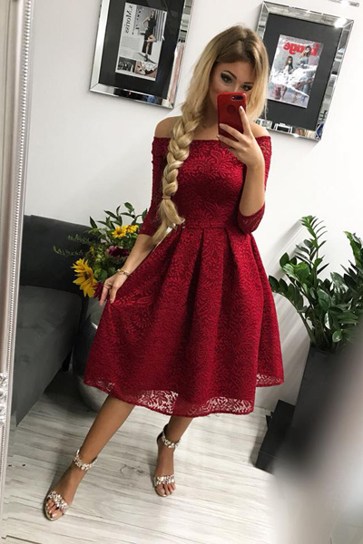 1adcc8a53694 Bordové spoločenské šaty Scarlett Midi